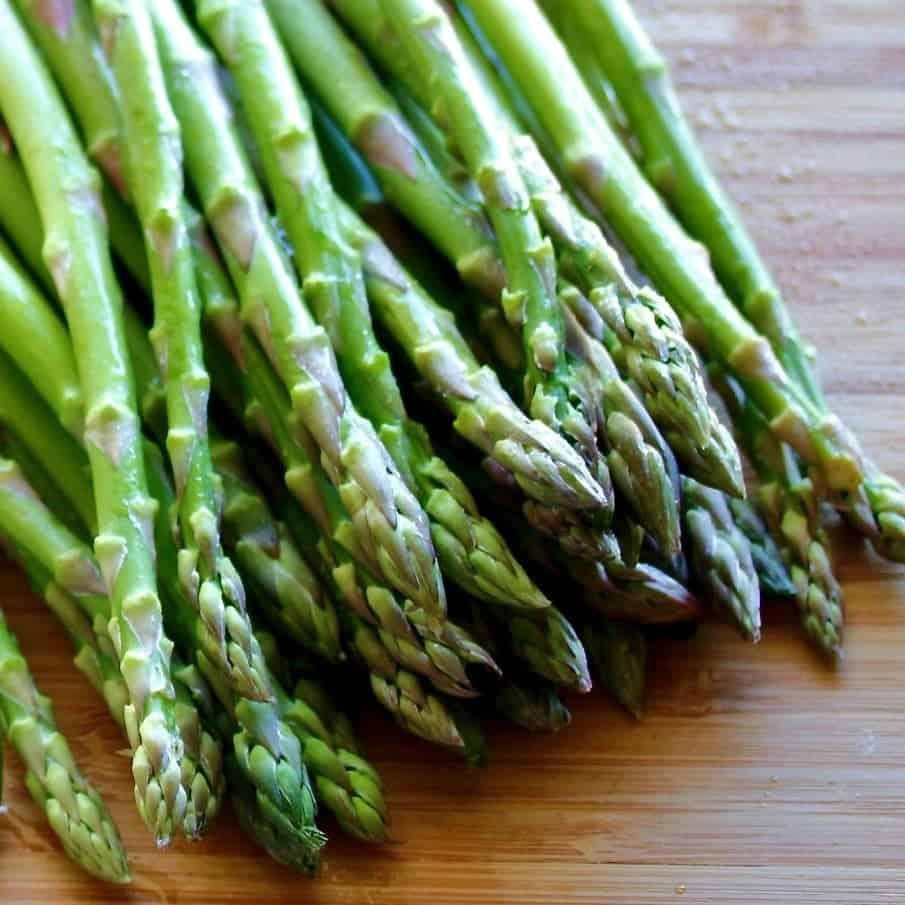 Best Place To Plant Asparagus: Plant Asparagus From Bare Root Crowns