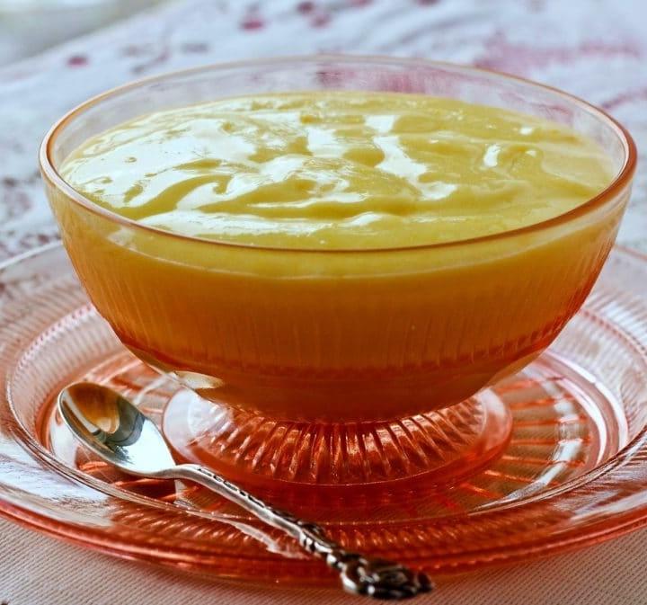 Homemade Lemon Curd Recipe by HomemadeFoodJunkie.com