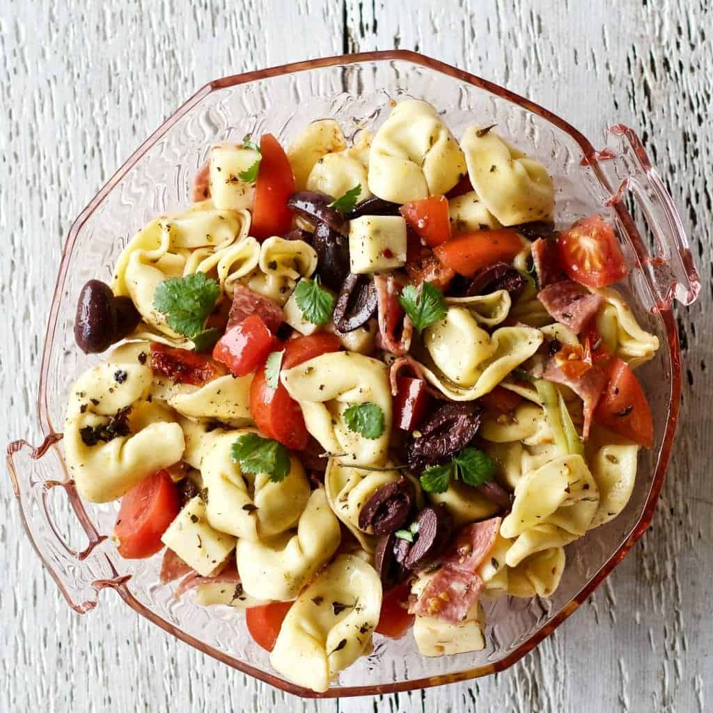 Tortellini Salad with Pepperoni by http://homemadefoodjunkie.com