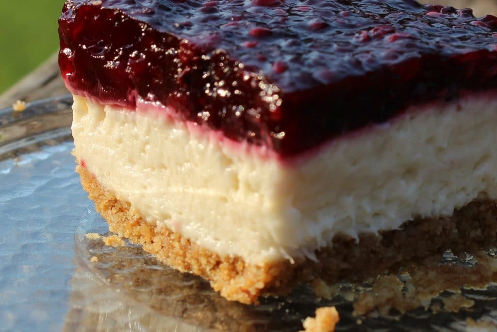 No bake Blackberry Cheesecake Bars. This is a stiffer set in the ...