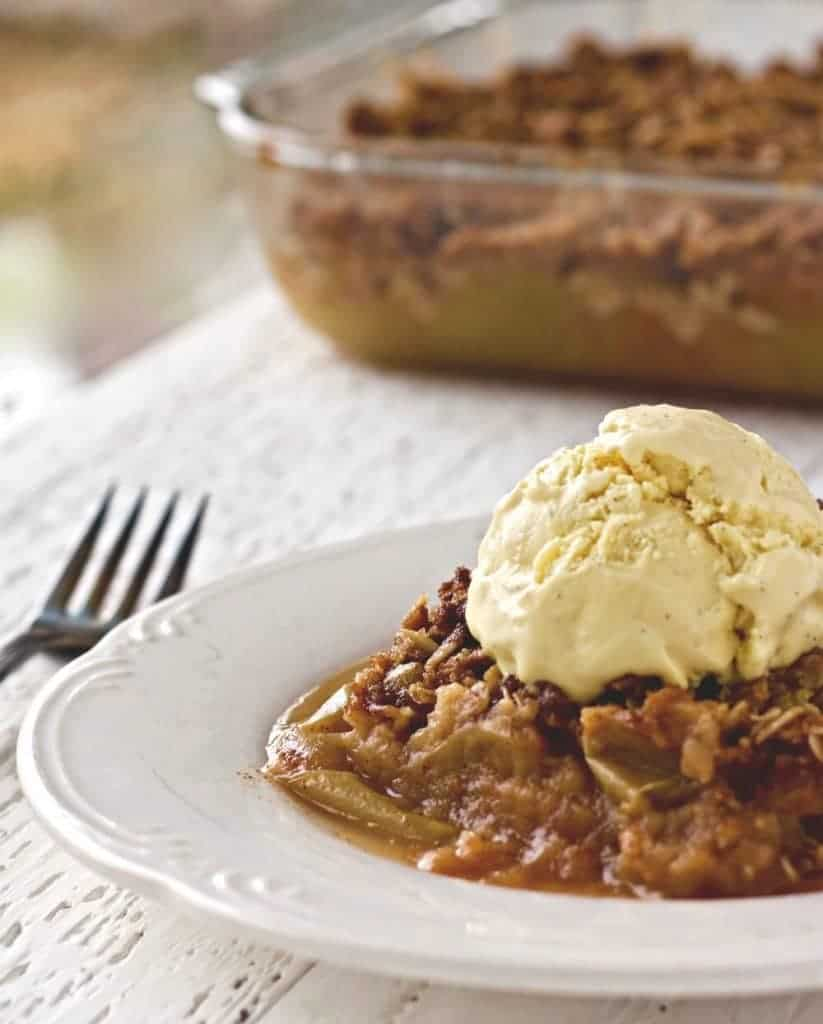 Apple Crisp With Coconut Oil and french vanilla bean ice cream