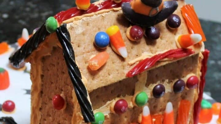 DIY GrahamCrackerHaunted House