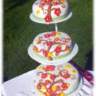 DIY Fall Fondant Cake