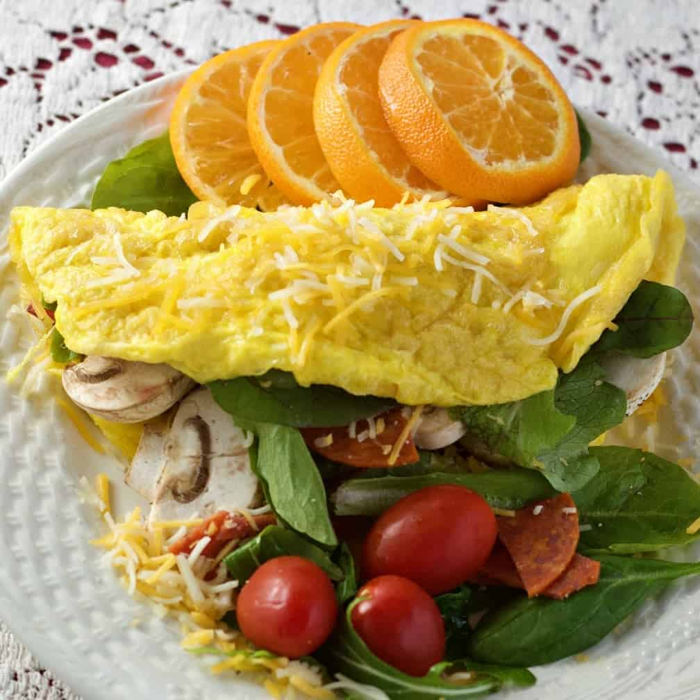 Omelet with salad fillings