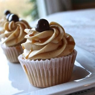 Coffee Cupcakes Salted Caramel Frosting http://HomemadeFoodjunkie.com