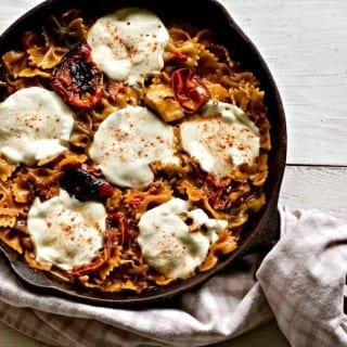 Chicken Pasta with Sun Dried Tomatoes is a Delicious one skillet dinner with a zingy Italian taste