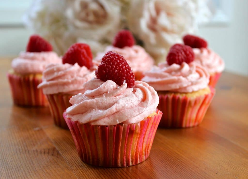 Champagne Cupcakes With Raspberry Frosting Homemade Food