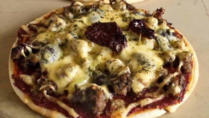 Mediterranean Naan Pizzas