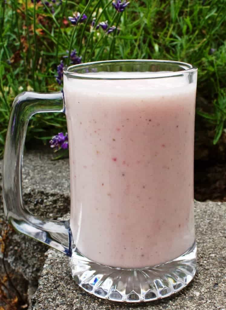 Fresh Strawberry Banana Smoothie low sodium, gluten free http://HomemadeFoodjunkie.com