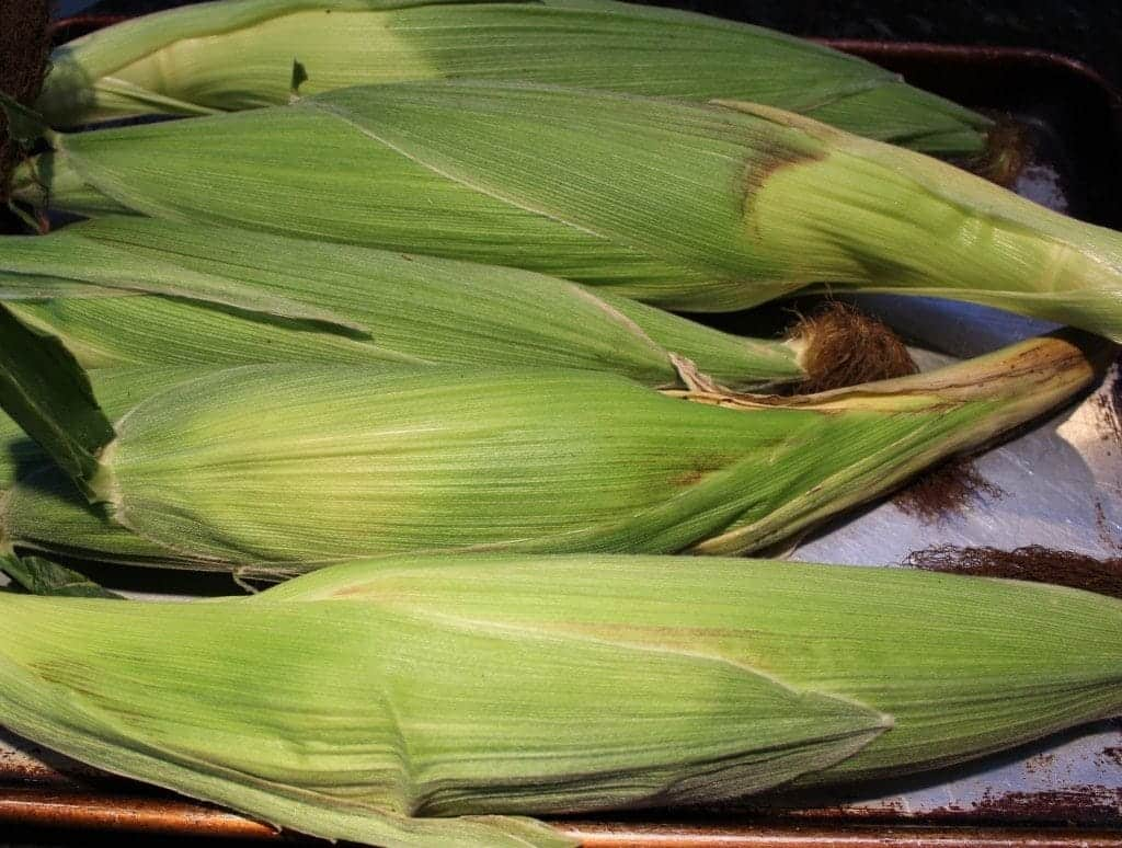 Freezing corn on the cob in the husk. http://Homemadefoodjunkie.com