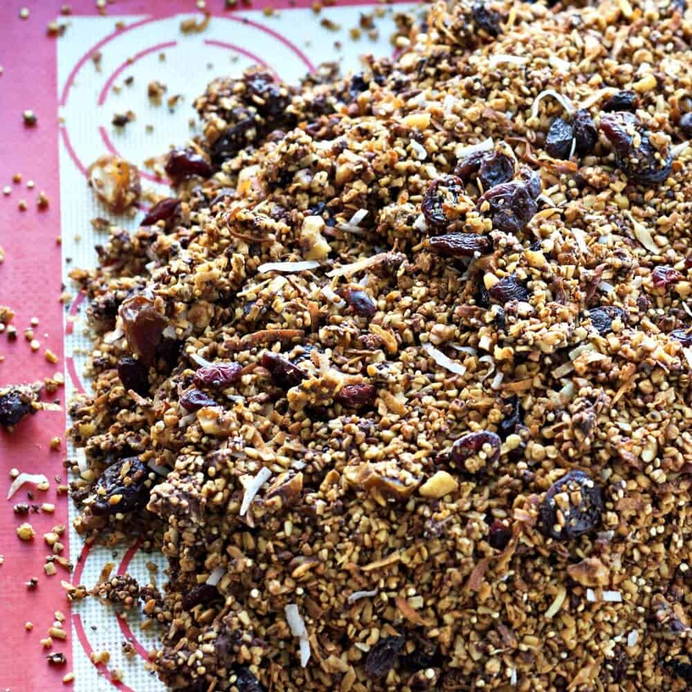 Steel Cut Oats Quinoa Granola No Processed Sugar in this healthy High-Fiber, Low-Sodium, Vegan, Vegetarian, Dairy-Free, Gluten-Free, Gravel textured Granola http://HomemadeFoodJunkie.com