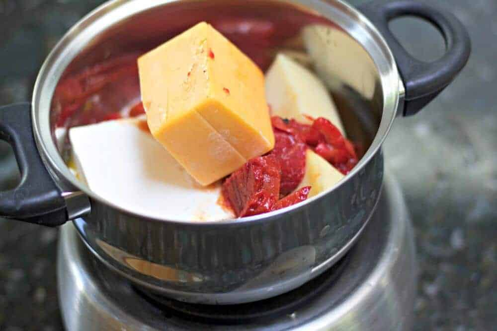 Roasted Pepper Cheese Fondue Sauce