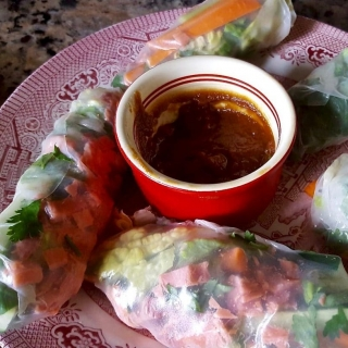 Smoked Salmon Wraps with Peanut Sauce