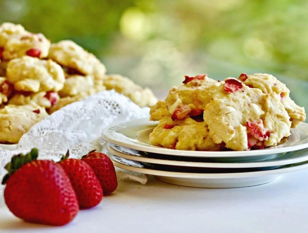 Strawberry White Chocolate Cookies
