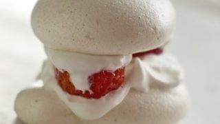 Easy Berry double meringue Desserts
