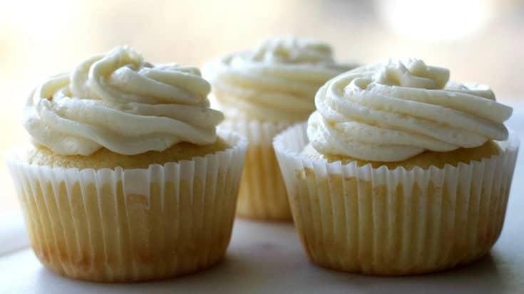 Vanilla Cupcakes Trio