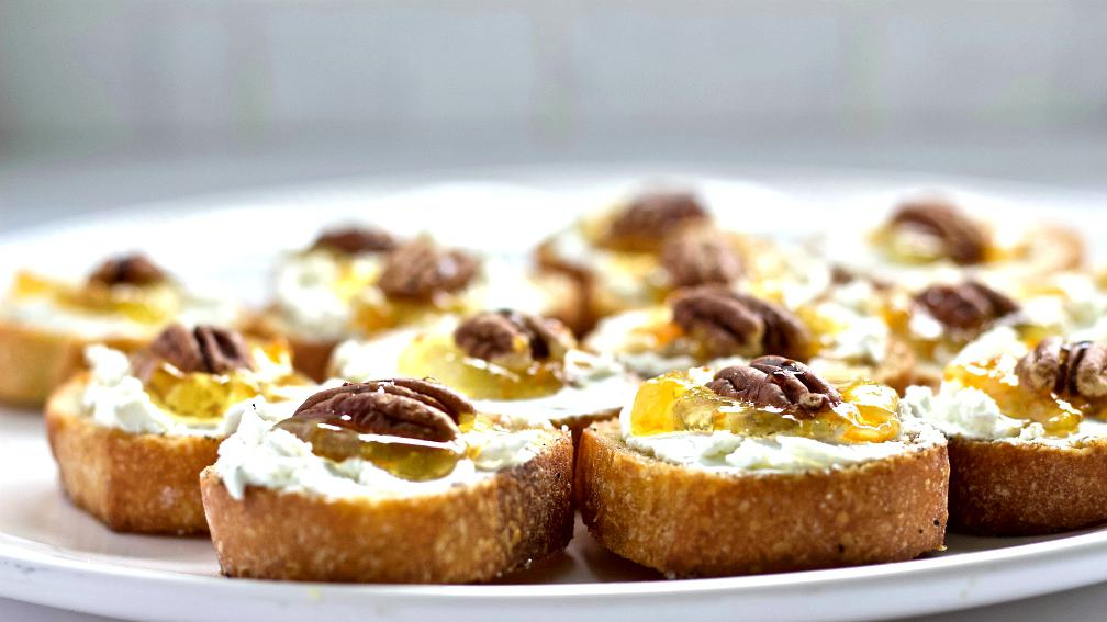 Crostini With Pecans And Marmalade