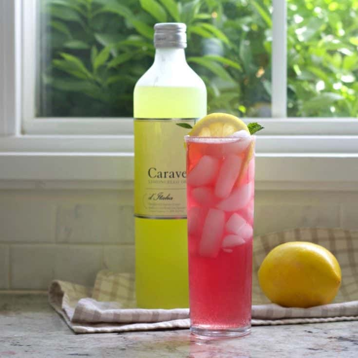 Pink Lemonade Limoncello cocktali