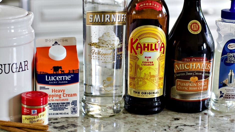 Ingredients for Pumpkin Spice White Russian