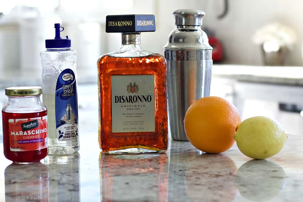 Ingredients for Amaretto sour