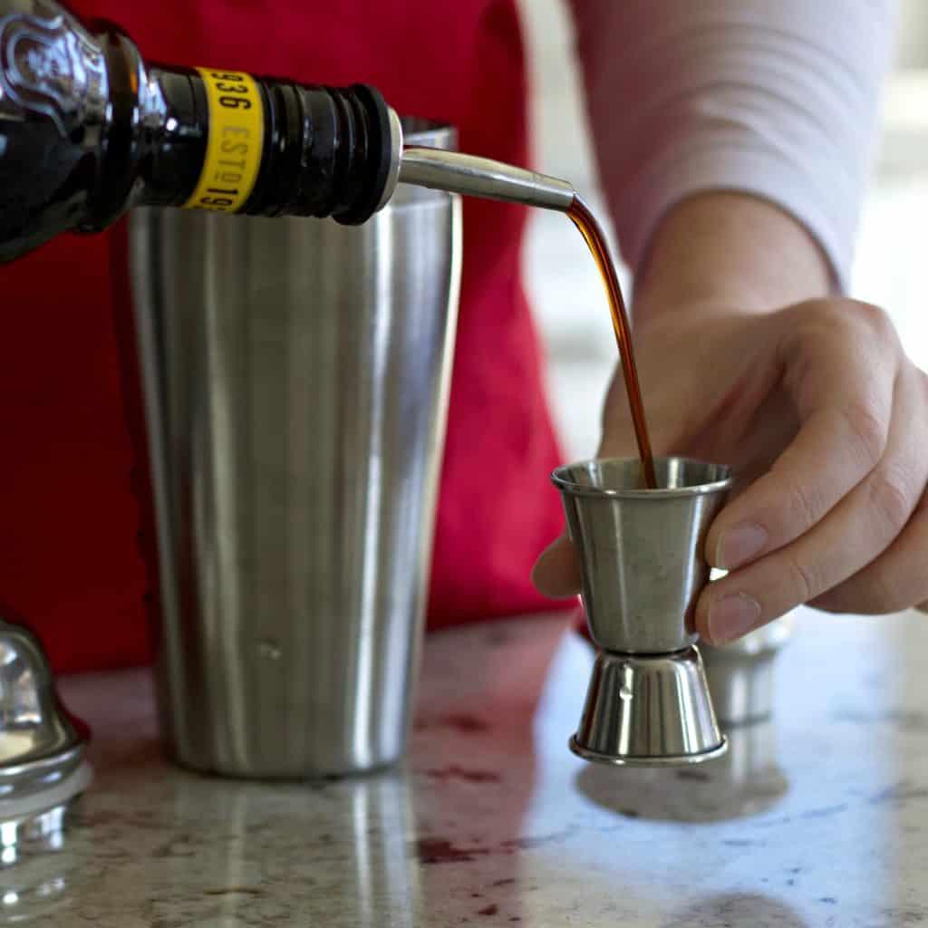 pouring kahlua