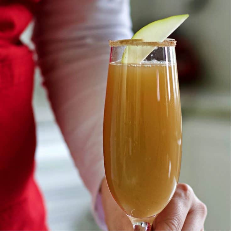 Cinnamon Pear Mimosa Recipe