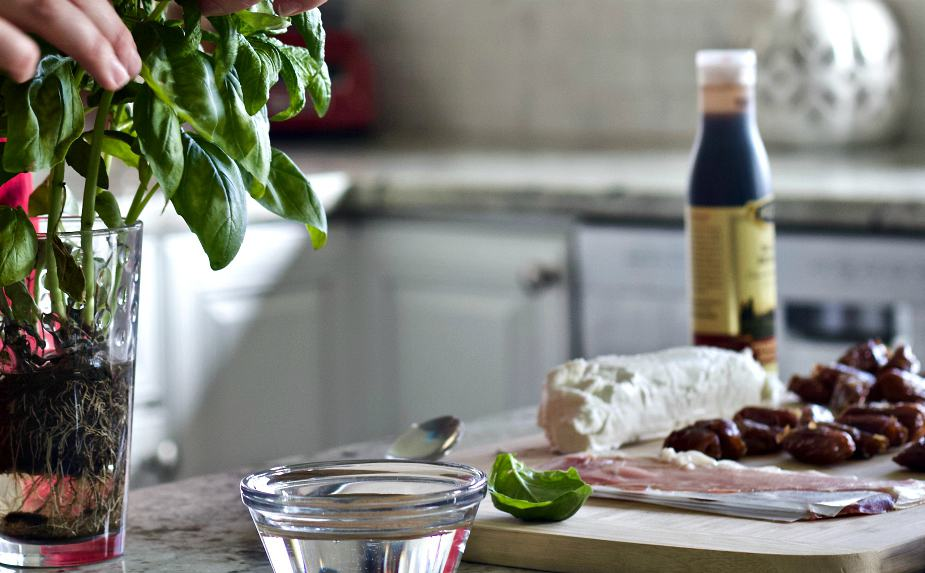 ingredients for the goat cheese stuffed dates
