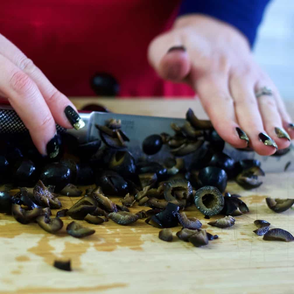 Dicing black olives