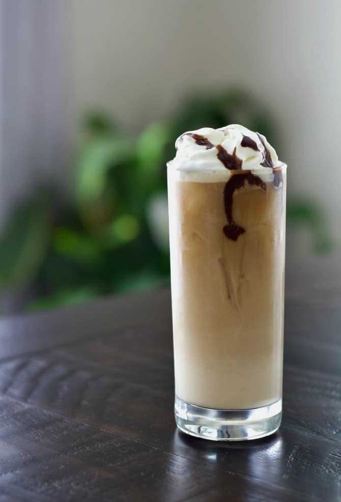 Baileys iced coffee cocktail