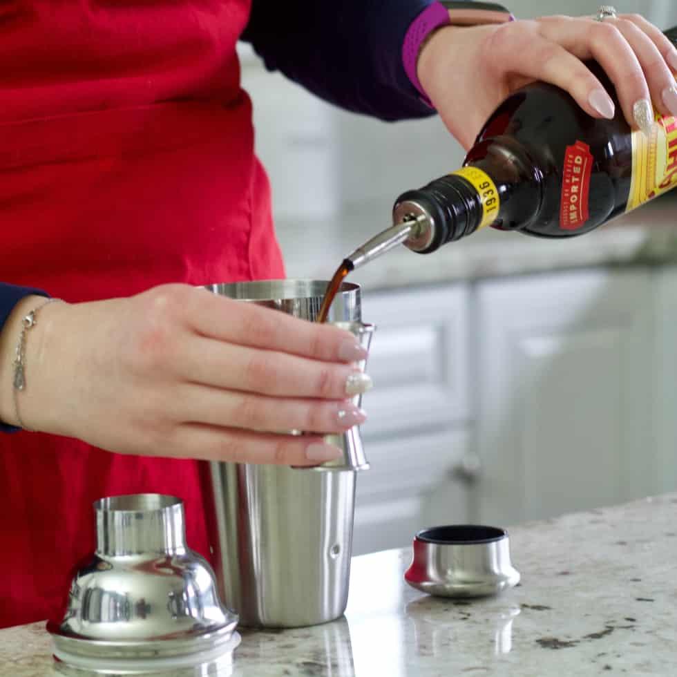 measure kahlua-iced coffee