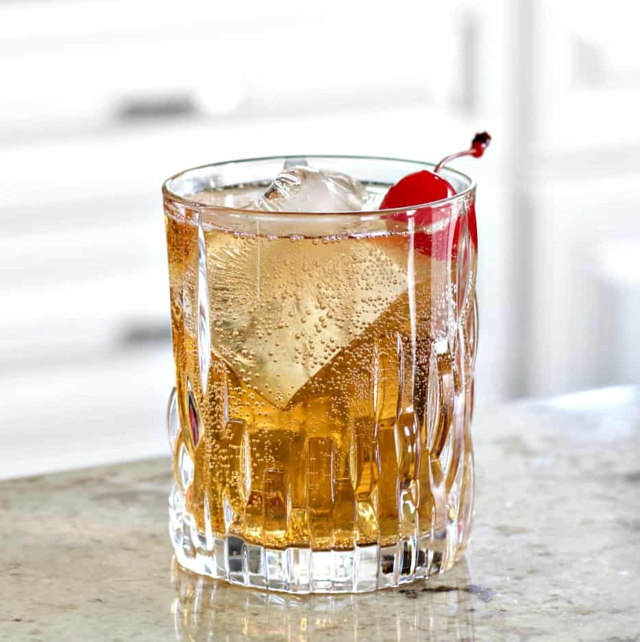 Crown royal peach whisky drink