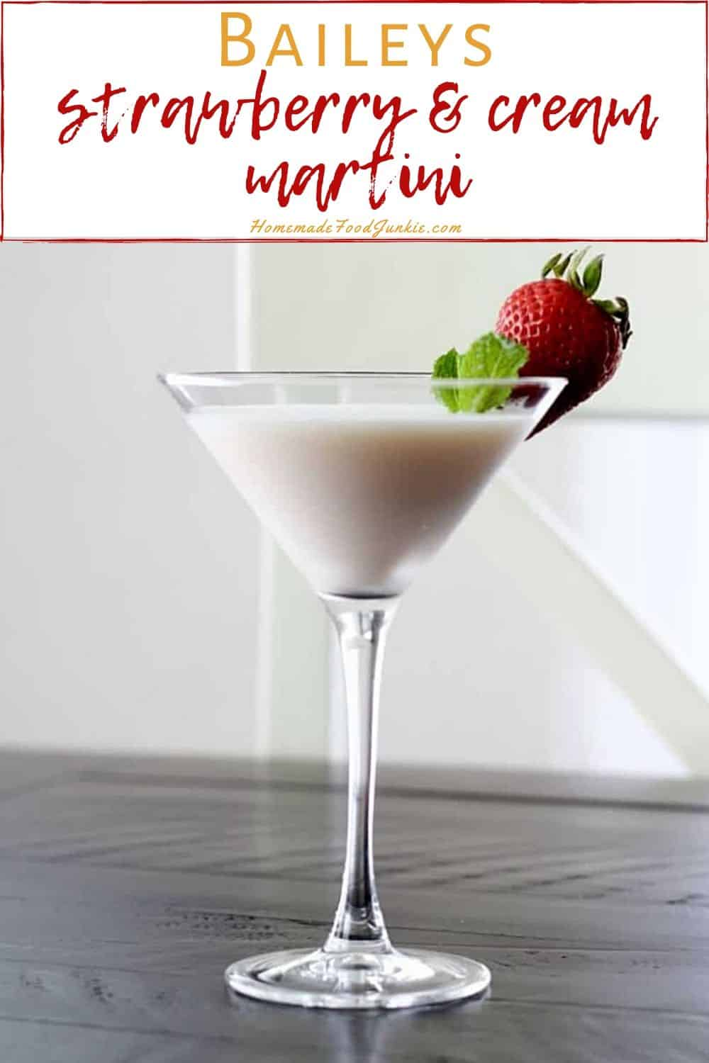 bailey strawberry and cream cocktail