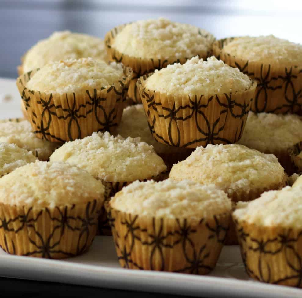 Cinnamon coffee cake muffins