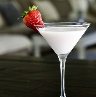 Baileys Strawberry Cream cocktail