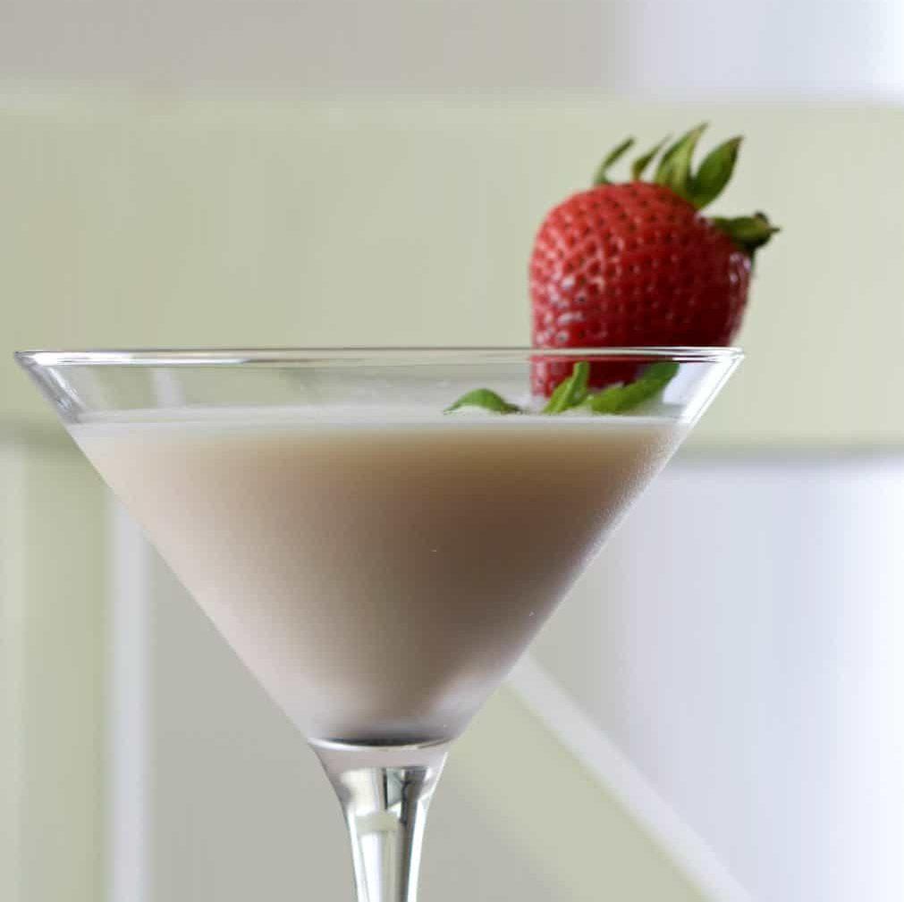 strawberries and cream vodka martini