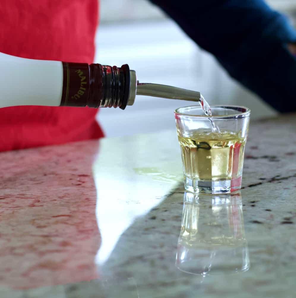 malibu rum pour