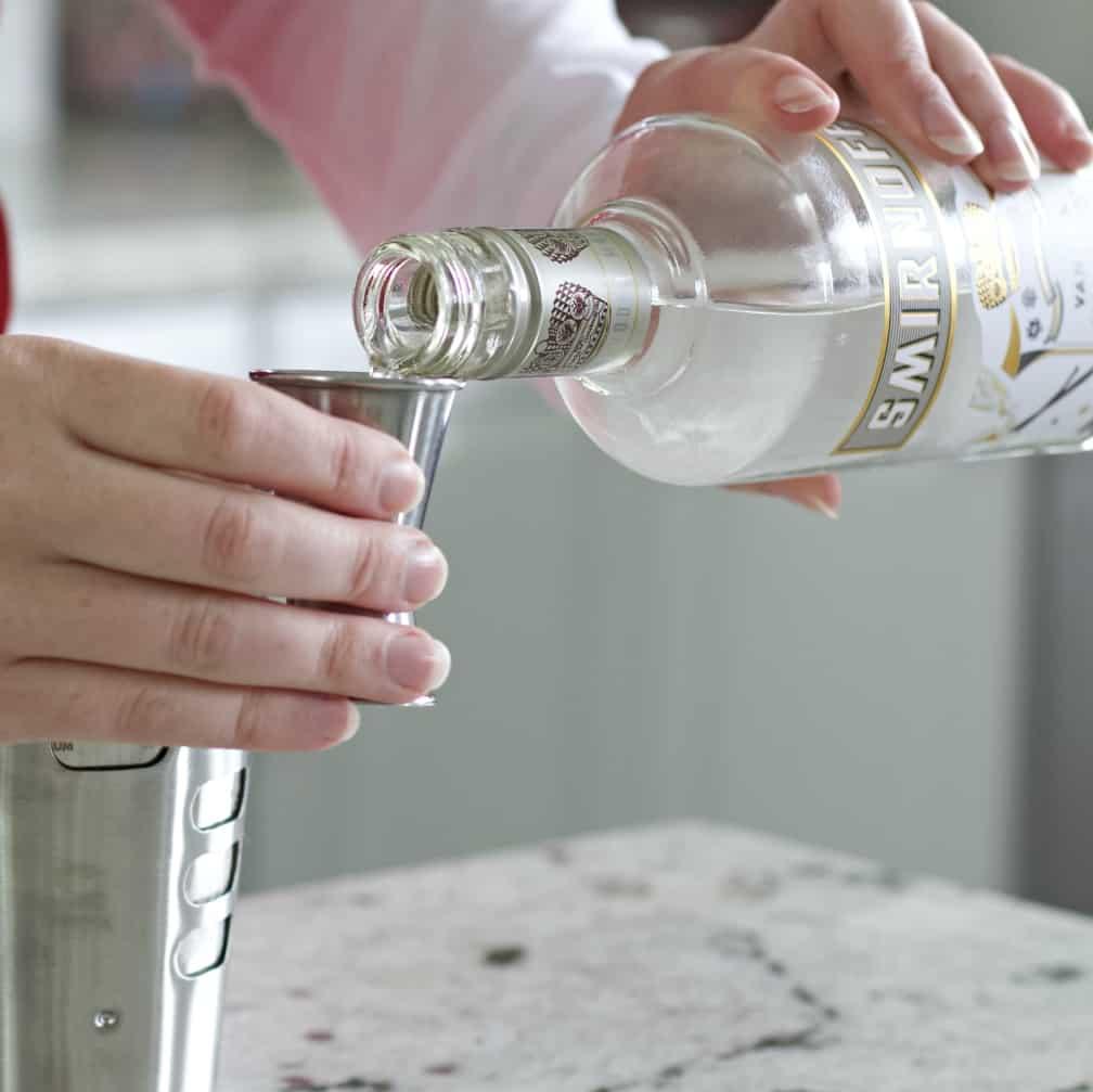 pour vanilla vodka