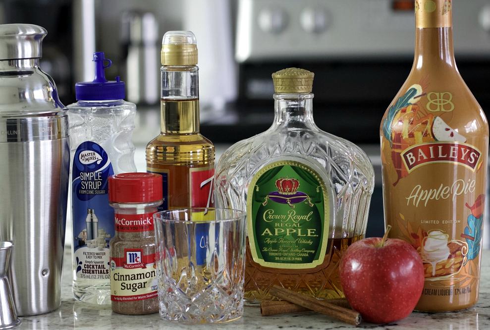 Baileys Apple Pie Whiskey Drink Ingredients