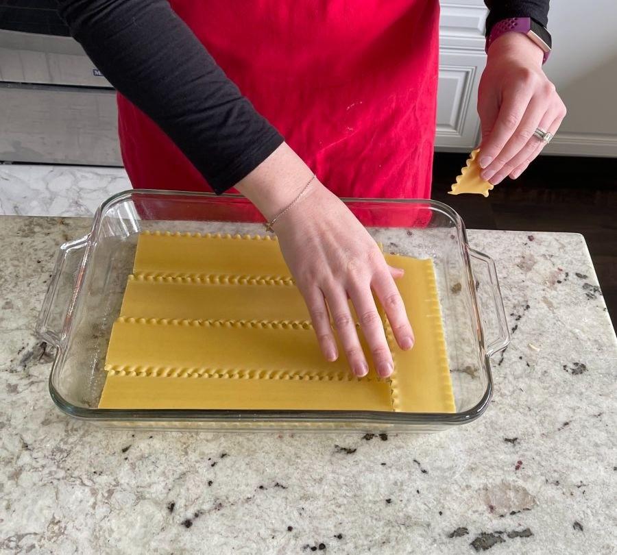 Arrange Lasagna Noodles In Oiled Pan