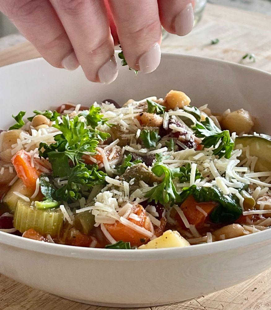 garnishing olive garden minestrone soup