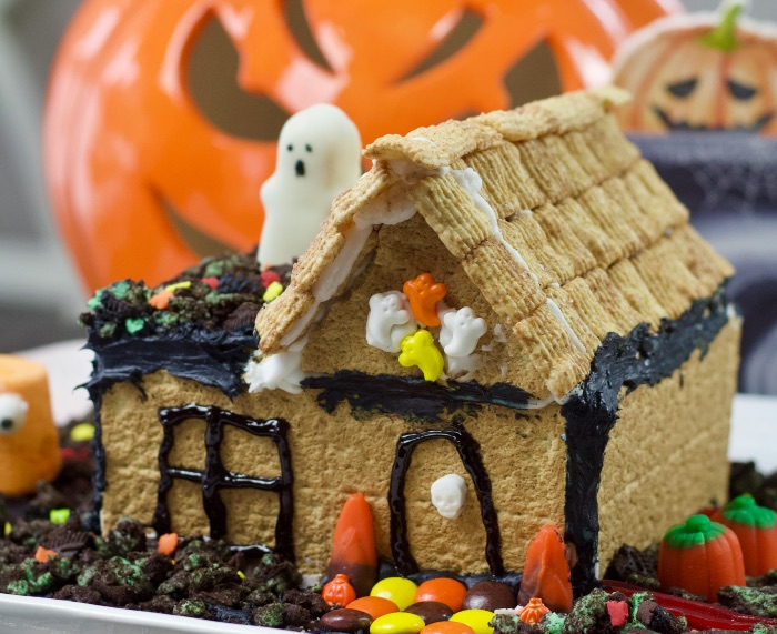 Diy Graham Cracker Haunted House