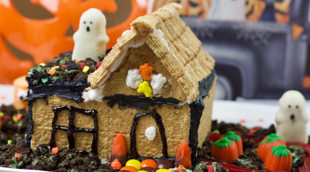 Graham Cracker Haunted House